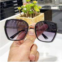 عینک آفتابی UV 400 فریم مشکی سبک مدل دیور